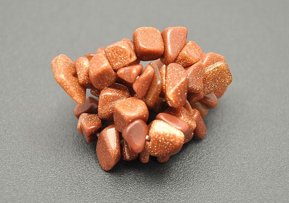 Az aranykő vagy napkő néven futó hematit főleg abban segít, hogy kereskedelem útján juss pénzhez.