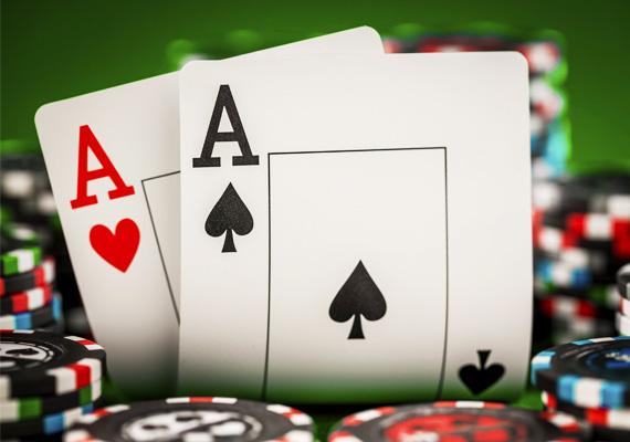 Egy jó kis pókerpartin voltál álmodban, vagy csupán kártyalapokat láttál? Bármelyik is igaz, ha pikk ász volt köztük, nyert ügyed van: rövidesen pénzhez juthatsz.
