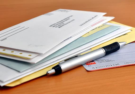 Ha befizetetlen számláid a mai napig látható helyen tároltad, mostantól tedd őket egy fiók mélyére. Amennyiben látszódnak, el fognak kerülni a forintok.