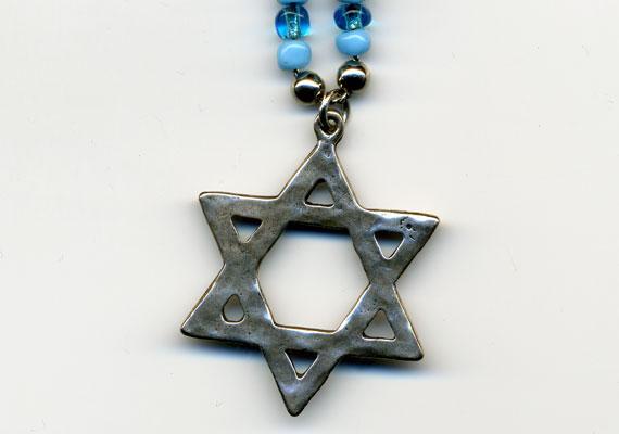 A Dávid-csillagról is úgy tartják, elűzi a rontást.