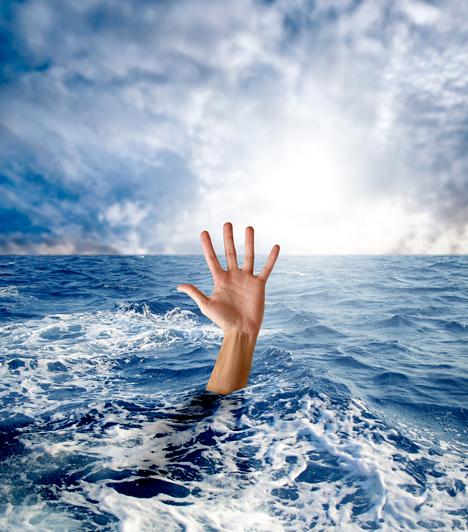 Fulladás                         Álmodtad már, hogy egy tóban vagy óriási tengeri hullámok között fulladozol? Az egyik legrosszabb rémálom, amiből, ha az ember felriad, bizony, nagyon megkönnyebbül. Ha ezzel álmodsz, főleg azért van okod megkönnyebbülésre, mert ez nagyon jót, mégpedig szép házasságot jelent.
