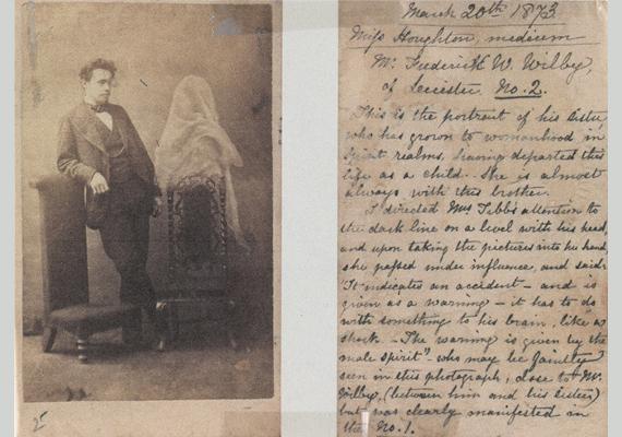 """E mellett a kép mellett egy régi levelet is láthatsz, amely bizonyítja, az elvesztett rokonok lelkét a családok örökké maguk mellett szerették volna tudni, és ebben a hitükben ezek a képek megerősítették őket:""""Ez az első kép a lánytestvéréről (...) majdnem mindig mellette van"""" - szólnak a sorok."""