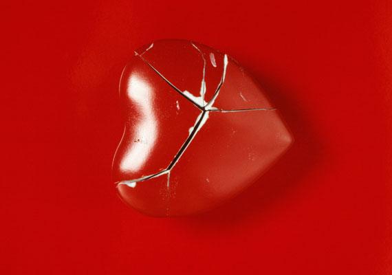 Ne tárolj a lakásban szomorú jelenetet ábrázoló képeket, illetve olyan tárgyakat, melyek láttán összeszorul a szíved.