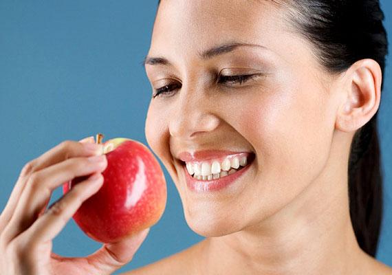 Az alma az egyik legerősebb szerelemhozó az ezotéria szerint. Növeli a vonzerődet és új udvarlókat csalogat hozzád.