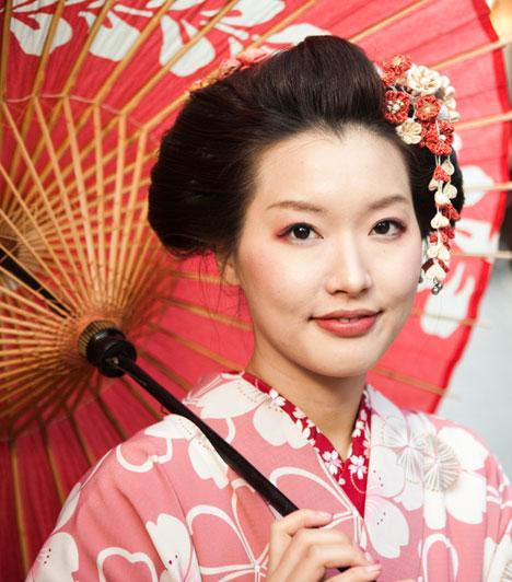 Horoszkóp és szerelem  Egyes növényeknek mágikus erőt és szimbolikus jelentést tulajdonítanak, így van közöttük olyan, amelyik a szerelem és a szeretet energiáit erősíti. Japán horoszkópból megtudhatod, melyik a te növényed. Ha teheted, szerezd be, ültesd el, vagy legalább kép formájában tarts otthon.  Kapcsolódó cikk: Számold ki, milyen jegyben születtél »