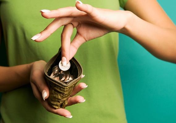 Aprópénzzel álmodni szerencsét ígér, anyagiak terén kiváltképp.