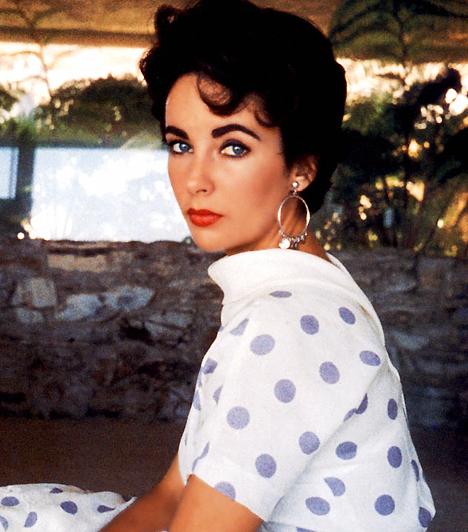 Elizabeth Taylor  A kétszeres Oscar-díjas színésznő 1932. február 27-én született. Mind szépségével, mind tehetségével hódított. Nem csupán filmjeinek, hanem házasságkötéseinek száma is meglehetősen hosszú: összesen nyolc alkalommal állt az anyakönyvvezető előtt - ebből kétszer Richard Burtonnel.