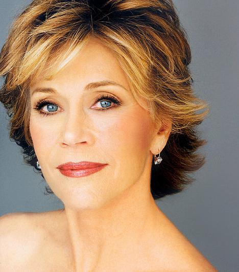 Jane Fonda A legendás Henry Fonda lánya1937. december 21-án született. Igazi bombanő volt fiatalon, ám vonzerejéből mostanra sem veszített sokat. A hatvanas években erotikus kisugárzása miatt gyakran játszotta a szőke cicababa karakterét, de a vígjátékok mellett több kiváló drámában is megvillantotta tehetségét.Kapcsolódó hír:70 évesen is bombanő a legendás Jane Fonda »