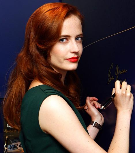 Eva Green 1980. július 5-én született. A francia-svéd származású színésznő tehetségéről még sokat fogunk hallani. A gyilkos pillantással, intelligenciával és visszafogottsággal megáldott Bond-lány le sem tagadhatná a csillagjegyét.Kapcsolódó cikk:A legszexibb Bond-csajok 10-es listája »