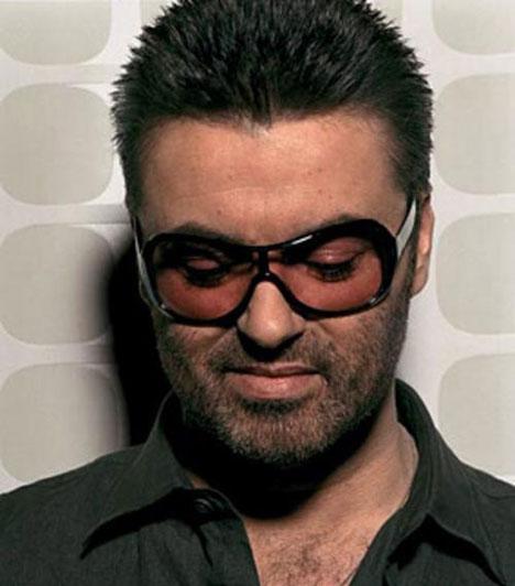 George Michael                         George Michael Georgios Kyriacos Panayiotou néven, 1963. június 25-én látta meg a napvilágot. Kétszeres Grammy-díj győztes énekes-dalszerző, a Wham! nevű popduóval vált népszerűvé a '80-as években.