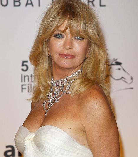 Goldie Hawn  A washingtoni születésű szőkeség nem éppen tipikus Skorpió. A meggondolatlanság kevéssé jellemző a magánéletére: 1983-tól kezdve él boldogan Kurt Russell színésszel. 1945. november 21-én született.