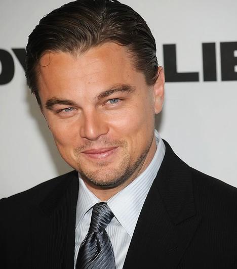 Leonardo DiCaprio  Magánéletével kapcsolatban nem titok, hogy a modelleket kifejezetten szereti, hiszen 2001 és 2005 között Gisele Bündchen volt a barátnője. Szakításuk után pedig egy hasonlóan rapszodikus viszony fűzte egy másik szupermodellhez, Bar Rafaelihez. 1974. november 11-én született.