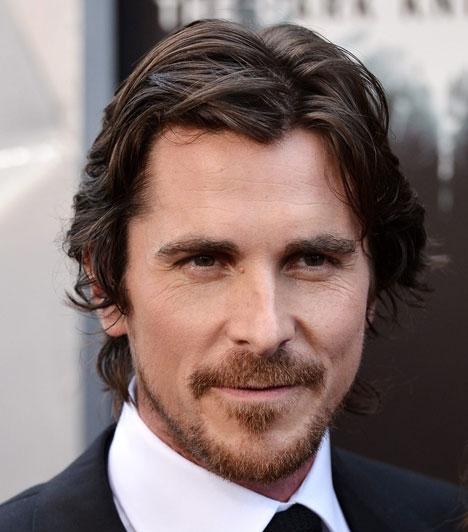 Christian Bale  Christian Bale 1974. január 30.-án született Walesben. Oscar- és Golden Globe-díjas brit színész, a legtöbben A gépész és az Amerikai pszicho című filmekből ismerik.
