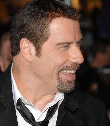 John Travolta A Szombat esti láz és a Pomádé című filmek zajos sikere után a táncos lábú színész karrierje megtorpant. 1994-ben azonban Quentin Tarantino visszarángatta a süllyesztőből. A rendező egy emlékezetes szerepet adott neki Ponyvaregény című, Arany Pálmával jutalmazott filmjében. 1954. február 18-án született.Kapcsolódó hír:Megdöbbentően elhízott az egykor szívtipró színész »