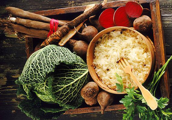 A vitaminokban és rostban gazdag savanyú káposzta az egyik legerősebb téli anyagcsere-pörgető táplálék.