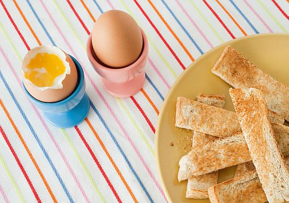 A tojás szintén jó ásványianyag- és fehérjeforrás, de csak főve, sütve nem.