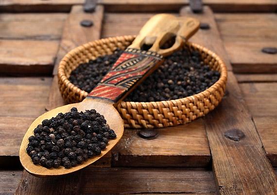 A fekete borssal ízesített ételek fogyasztásával felgyorsíthatod az emésztési folyamataidat és az anyagcserédet, emésztési problémák kezelésére is alkalmazhatod.