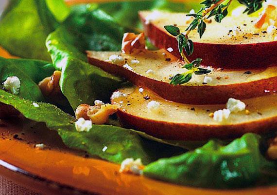 Egy könnyű alma-dió saláta izgalmas előétel, ráadásul a benne található rostok, vitaminok és ásványi anyagok megkönnyítik az emésztést.
