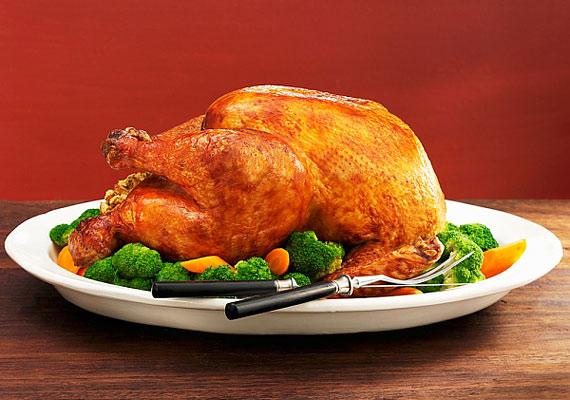 A pulyka a többi szárnyashoz hasonlóan kevés zsírt tartalmaz. Párolj hozzá zöldségeket, hogy finom és egészséges főfogás legyen belőle.