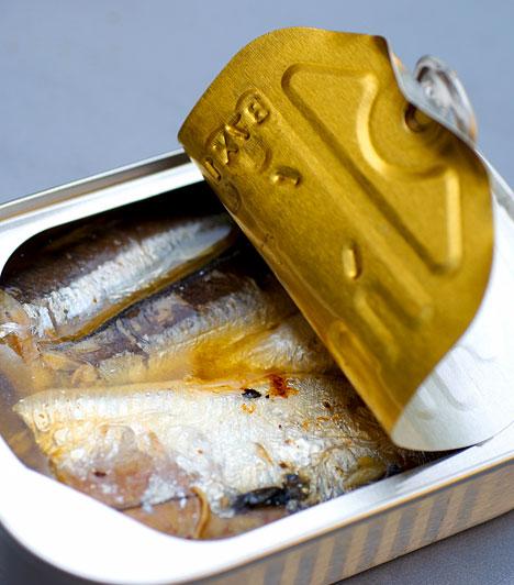 Konzervek  A legtöbb konzerv élelmiszer általában nagy mennyiségű sót, állományjavítót, tartósítószert tartalmaz. A mesterséges anyagokat tested nem képes lebontani, ezért azok az anyagcsere lelassulásához, emésztőszervi megbetegedésekhez és elhízáshoz vezethetnek.