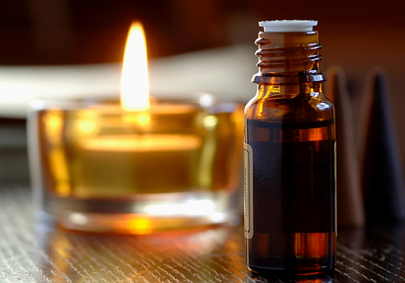 A köménymagolaj, a mentolos illóolaj és a borsmenta-illóolaj emésztéskönnyítő hatásúak. Ezeket csak ritkán és hígítva alkalmazd!