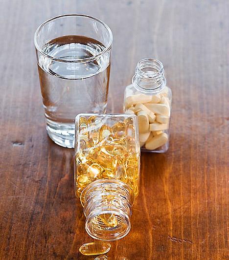 C-vitamin  A pár száz forintos vitamin nemcsak abban segít, hogy leküzdd az influenzaszezont, de, mivel a szervezet szinte összes zsírbontó folyamatában részt vesz, a súlyvesztést is megkönnyítheti.  Kapcsolódó cikk: A legerősebb zsírégető vitamin »