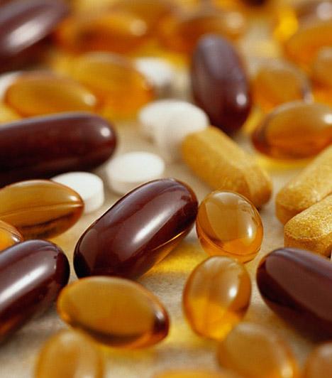 Vas  Az univerzum leggyakoribb elemeinek egyike elengedhetetlen a zsírbontó folyamatok működéséhez, sőt, a kóros elhízás hátterében is állhat a vashiány. A nők számára egyébként is elengedhetetlen nyomelemet tabletta formájában is pótolhatod, de az osztrigában, a kagylóban és a hüvelyesekben is sok vas van.  Kapcsolódó cikk: Extra erős zsírégetők: így fogyj jóddal és vassal! »