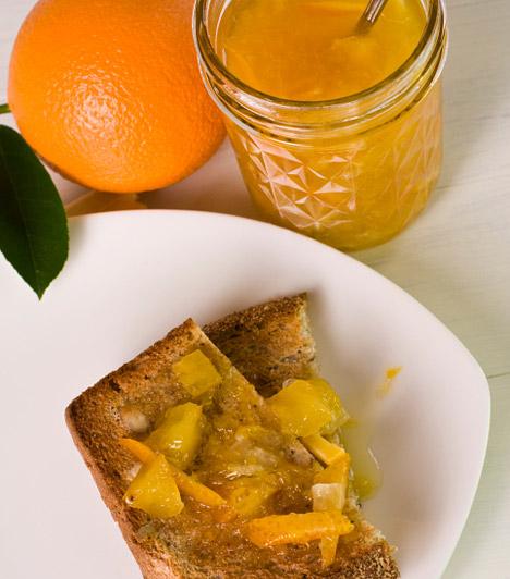 Ha kihagyod a reggelit, gyorsabban fogyszTény, hogy a fogyás alapja az alacsonyabb kalóriabevitel, de nem jó ötlet a reggelin spórolni. Az ébredés után magadhoz vett táplálék ugyanis az anyagcseréd motorjának beindítója, ráadásul ebédre is többet fogsz enni, ha egész délelőtt koplaltál. Egyél inkább egy rostban gazdag, lassan felszívódó szénhidrátokat tartalmazó reggelit.Kapcsolódó cikk:Végleges fogyás a Bircher-Benner diétával »