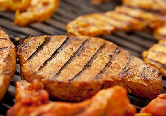 Csak azért, mert diétázol, nem kell teljesen lemondanod a húsfogyasztásról. Különösen azért, mert a cink a húsfélékből szívódik fel legjobban. 100 g marhahús 5,7 mg cinket tartalmaz.