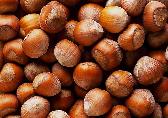 Az olajos magvak közül a mogyoró, illetve a mandula tartalmazza nagyobb mennyiségben a létfontosságú nyomelemet: 100 g 2,8 mg-ot.