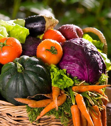 Zöldségek  Magas rosttartalmuk miatt a zöldségek szinte minden diétának alapját képezik. Elegendő mennyiségű folyadékkal együtt fogyasztva gyorsítják az anyagcserét, és támogatják a szervezet méregtelenítő folyamatait. Nyersen vagy párolva fogyasztva szinte minden zöldség glikémiés indexe alacsony - 40 alatti. A krumplival azonban jobb vigyáznod: olajban sütve vagy püré formájában már hizlaló táplálék.