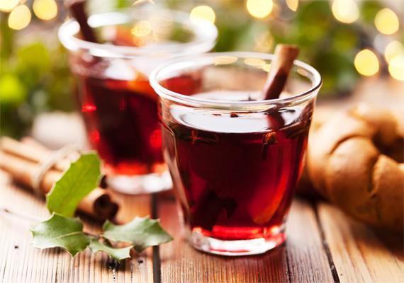 1 deciliter fűszeres, fahéjas forralt bor 83 kalóriát tartalmaz, ezzel az itt felsoroltak között az egyik legalacsonyabb kalóriatartalommal bír.
