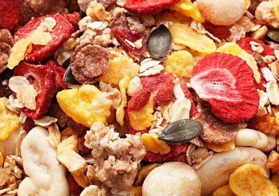 A müzli is csak akkor egészséges és anyagcsere-pörgető hatású, ha nem tartalmaz cukrot. Ellenkező esetben - nagyobb mennyiségben fogyasztva - akár lassíthatja is az emésztési folyamatokat.