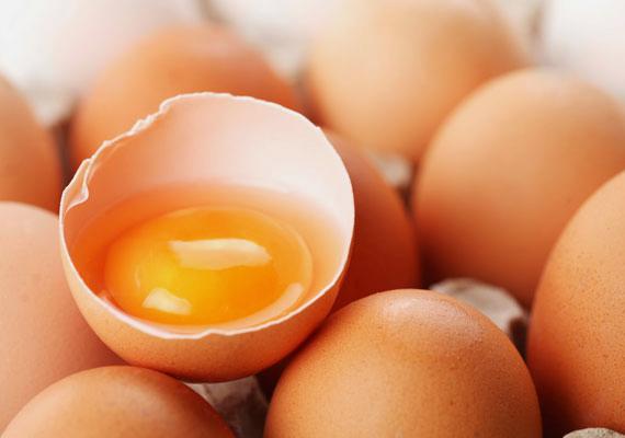 Cink                         A cinkre kis mennyiségben van szüksége a szervezetnek, de arra mindenképpen, hiszen a cink gondoskodik az immunrendszer hatékony működéséről, a szénhidrátok lebontásáról és a vércukorszint stabilizálásáról is. A napi ajánlott mennyiség: legfeljebb 40 milligramm. Természetes forrásai: tojássárgája, lencse, olajos magvak, marhahús, zabpehely, sajt.