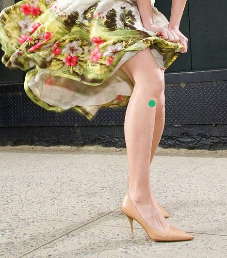 A gyomorműködés serkentése                         A gyomor akupresszúrás pontja mindkét lábon megtalálható, a lábszár külső oldalán, körülbelül öt centiméterrel a térdcsont alatt. Az erre a pontra gyakorolt nyomás segíti a szervezet működését, javítja az emésztést, emellett növeli az energiaszintedet is.