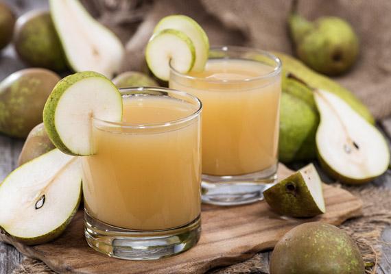 A körte az egyik legmagasabb rosttartalmú gyümölcs - 6,2 gramm/100 gramm -, amelyet érdemes 100%-os ital formájában is fogyasztanod. Már napi két pohár körtelé is finoman átmossa a bélrendszeredet. Kipróbálhatod a körtediétát is!