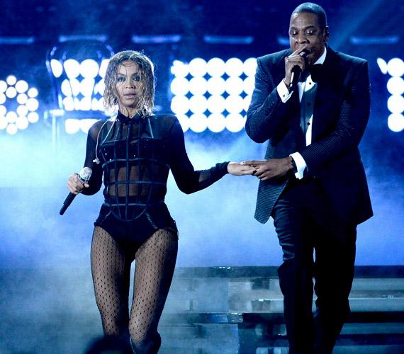 Férje, a 44 éves rapper Jay Z elsősorban azért csatlakozott az énekesnő diétájához, hogy erősebb erkölcsi támogatást nyújthasson.