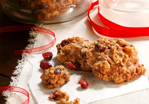 A zabpehely legnagyobb előnyei közé tartozik alacsony glikémiás indexe és emésztést könnyítő hatása. Kiváló lisztmentes sütemény-alapanyag, amelyet szárított vagy friss gyümölcsökkel, fahéjjal ízesíthetsz. Kattints a receptért!