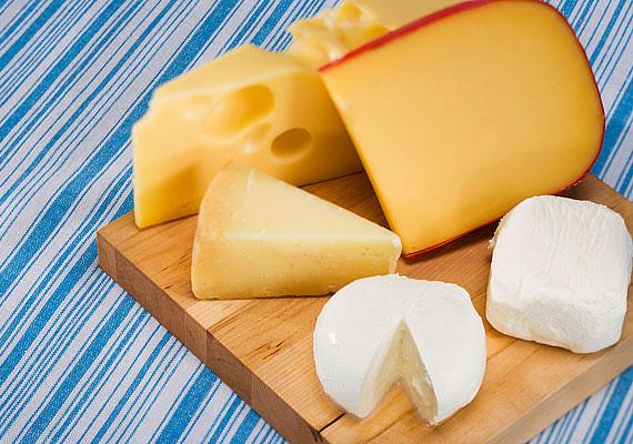 A sajtok kiváló fehérjeforrások: fajtától függően 100 g sajt 20-30 g-ot is tartalmazhat. Egy szelet teljes kiőrlésű kenyérrel és zöldséggel kiváló reggeli lehet.