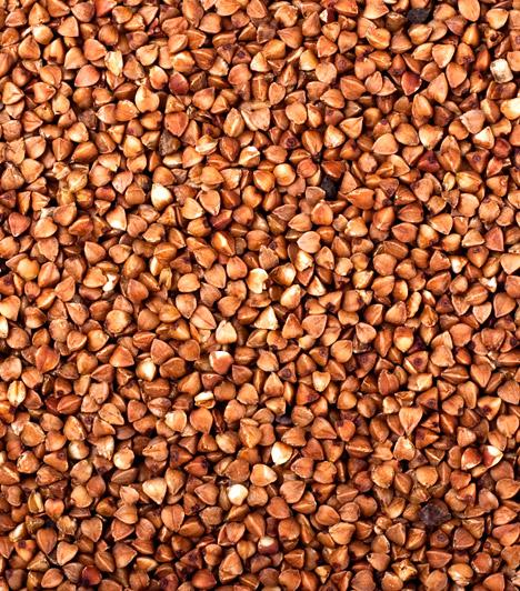 Hajdina  Az édeskés ízű növény tisztítja és erősíti a beleket, így kitűnő táplálék a fogyókúra ideje alatt. Méregteleníti és regenerálja a testet. Fiatal hajtása kiváló klorofillforrás, ezenkívül enzimeket és több vitamint is tartalmaz, ezért csíráztatni is érdemes.  Kapcsolódó cikk: Emésztésserkentő, zsírégető, laktató - Mi az? »