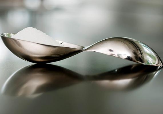 Mennyi sót hintesz az ételeidbe? Napi két grammnál többet semmiképpen sem szabadna, mert felborul a vízháztartásod, ami hasi hízáshoz vezet.