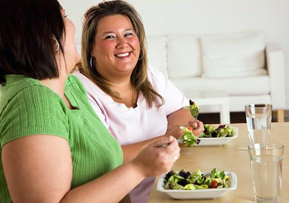 Ha a barátaid is kövérek, az téged is hajlamosabbá tesz az egészségtelen életmódra. Persze, azért ne cseréld le a régi cimborákat, inkább győzd meg őket az életmódváltásról - a saját érdekükben is.