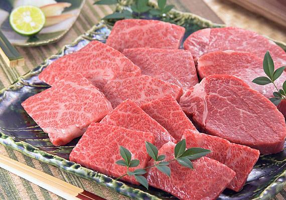 A vörös húsok megemésztése sokkal nehezebb, mint a fehéreké, és a vastagbélrák kialakulásában is szerepet játszanak.