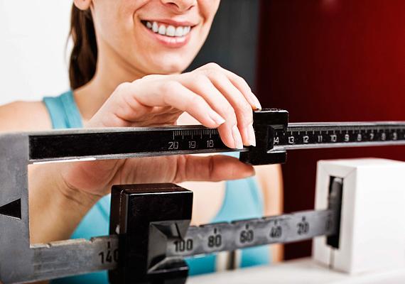 A fogyókúra nemcsak fizikálisan, hanem pszichésen is egy próba. Ha közben óránként állsz a mérlegre, hogy megnézd, fogytál-e, az nem segít, ugyanis ha látod, hogy nincs változás, könnyen feladhatod a diétát.