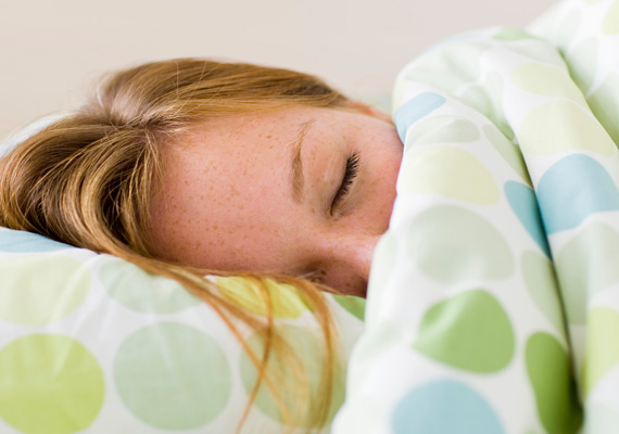 Aludj eleget!                         Ahhoz, hogy kitartóan tudj futni, idővel pedig a teljesítményedet is fokozd, szükséged van pihentető alvásra. Ha nem alszol naponta hét-kilenc órát, akkor a hormonháztartásod felborul, és a szervezeted a károkat próbálja majd helyreállítani, nem pedig a fejlődésre törekedni.