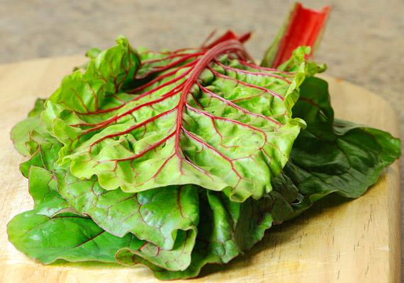 A mángold amellett, hogy kalóriát alig tartalmaz, gazdag olyan értékes vitaminokban, mint a K-, C- és E-vitamin. Magas rosttartalma és vízhajtó tulajdonsága miatt a fogyókúra alatt is jó szolgálatot tesz.