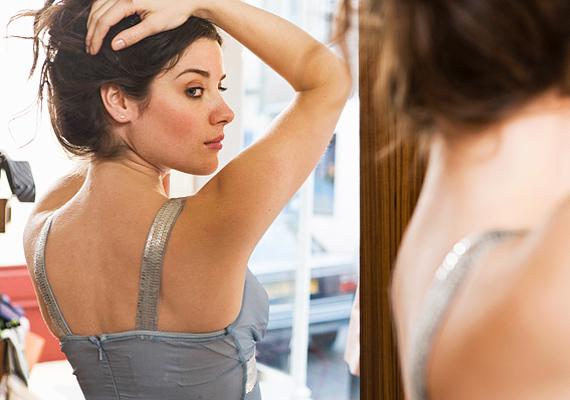 Ne nézegesd magad állandóan a tükörben a súlyleadás jeleit keresve. Ez nem biztos, hogy kellő mértékű önbizalmat ad. Sőt, sajnos, ha nem vagy elégedett magaddal, még az eddigi sikerélményedet is lerombolhatja.