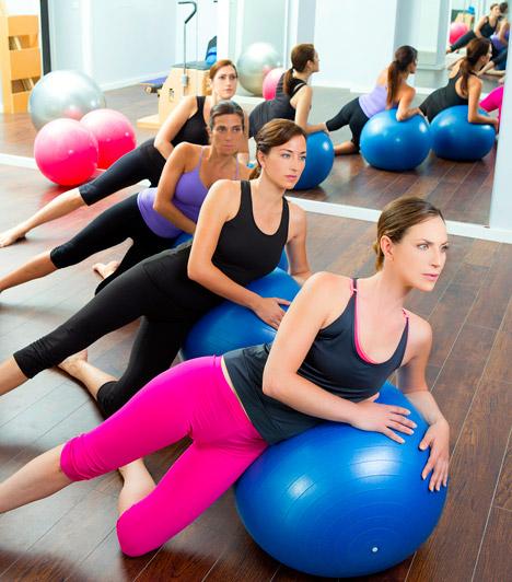TörzsedzésAz angolul core trainingnek hívott edzéstípust magyarul törzsedzésnek nevezhetjük. Ehhez az spothoz olyan eszközökre van szükség, mint a fitnesz labda, vagy az úgynevezett wobble board. A mozgásforma lényege a stabilitás növelése, a feszes, szálkás izmok kialakítása és természetesen a zsírégetés. Elsősorban a csípő, a derék- és a has izmait erősíti.