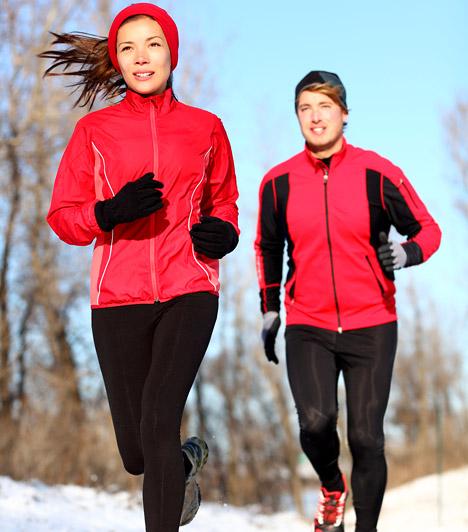 Walter R. Thomson Ph.D. tudományos munkája, a Fitnesz Trendek Globális Felmérése 2006 óta jelenik meg minden évben. Beszámol az aktuális év fitnesz trendjeiről. A 2013-es Top 20-as listából szemezgettünk most neked néhányat, melyek segítenek testsúlyod kordában tartásában.