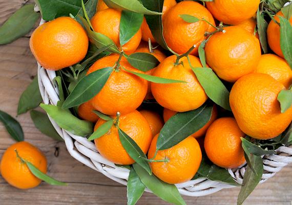 A mandarin segíti a máj és a vese működését, gyorsítva ezzel a természetes méregtelenítést. Eközben rostjai finoman átmossák és salaktalanítják az emésztőrendszert.
